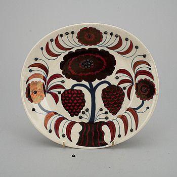 """DEKORATIONSFAT, keramik, """"Rose"""", Birger Kaipiainen, 1388/2000, Arabia 1980. #bukowskis #bukowskismarket #design #scandinavia #ceramics #birgerkaipiainen #arabia"""