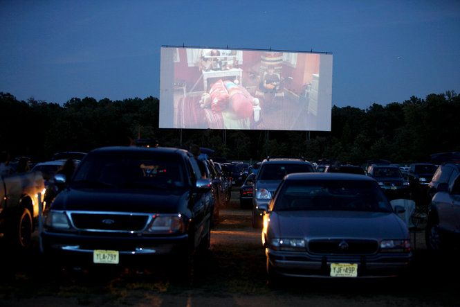 New Jersey S Only Drive In Movie Theater The Delsea Drive In Vineland Outdoors Adventure Drive In Theater Drive In Movie Theater