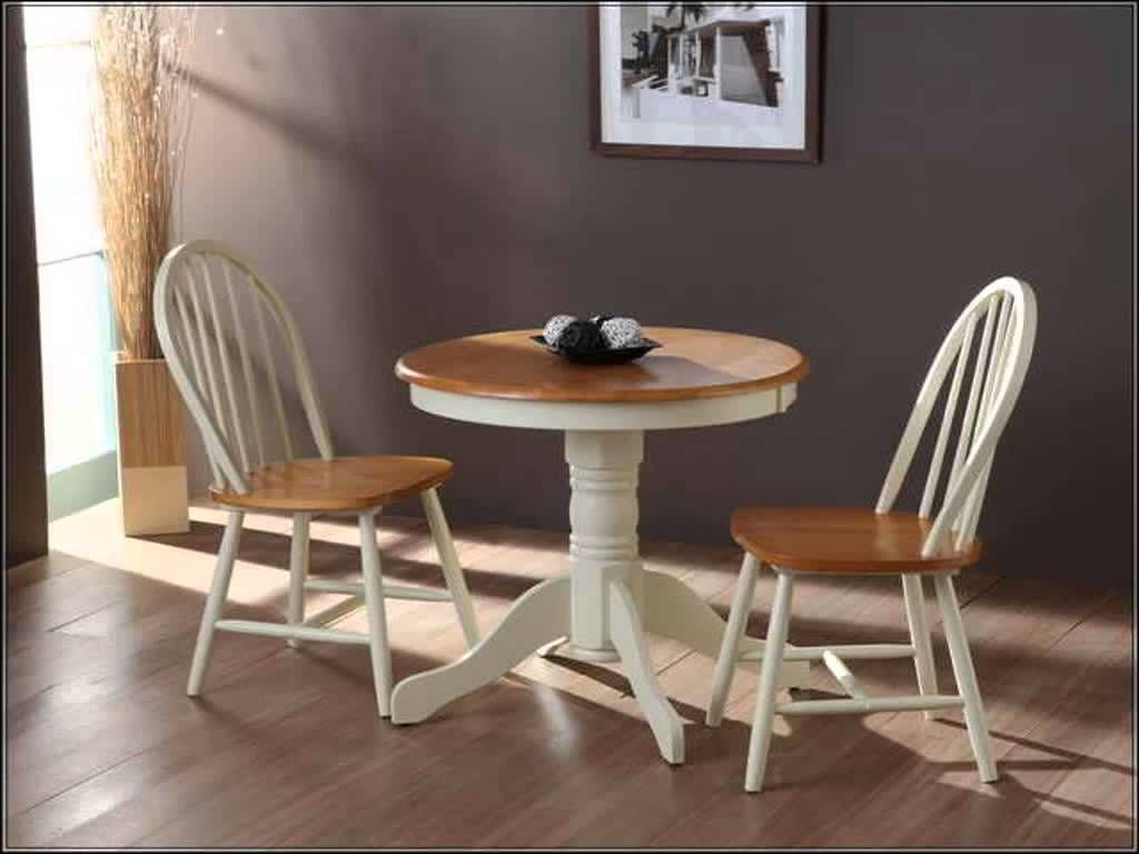 Weald Buttermilk Traditional Round Breakfast Table and