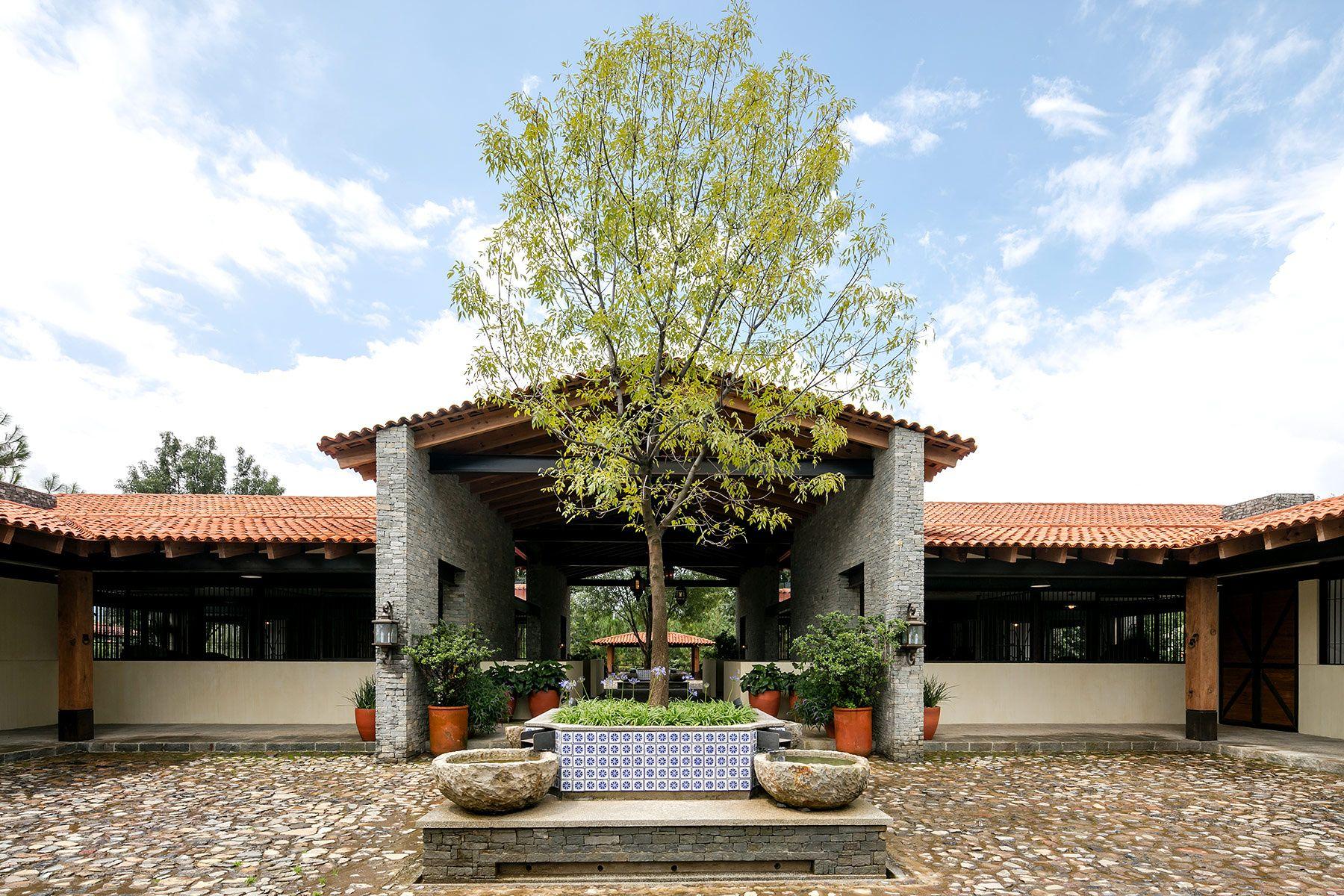 Residencia Equina En Jalisco Establos De Caballos Casas