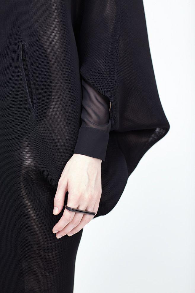 Three Finger Ring with a minimal bar design; chic statement jewellery // Amy Glenn