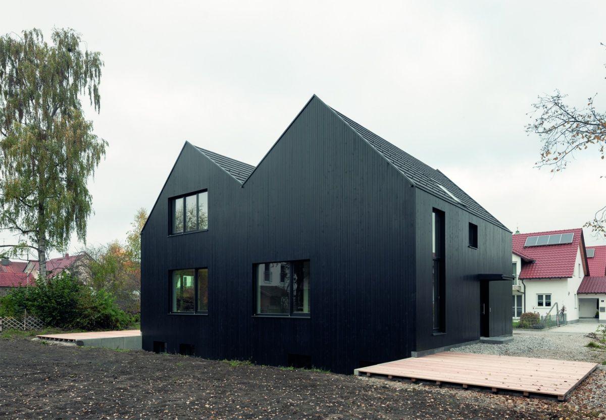 Doppelhaus in schwarz h usler pinterest schwarzer for Doppelhaus moderne architektur