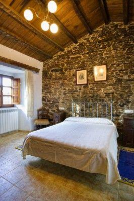 #Casa A Paínza  Recuperada para turismo vacacional y rural, conserva la arquitectura típica gallega. Cada una de las casas tiene su propio y alegre jardín. #ACoruña