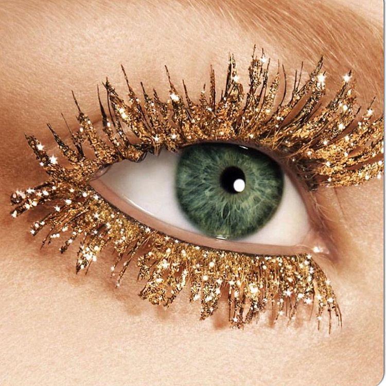 """Glittered lash love @haircraftbylee @haircraftbylee  #haircraftbylee #brian_champagne #livingwithgratitude"""