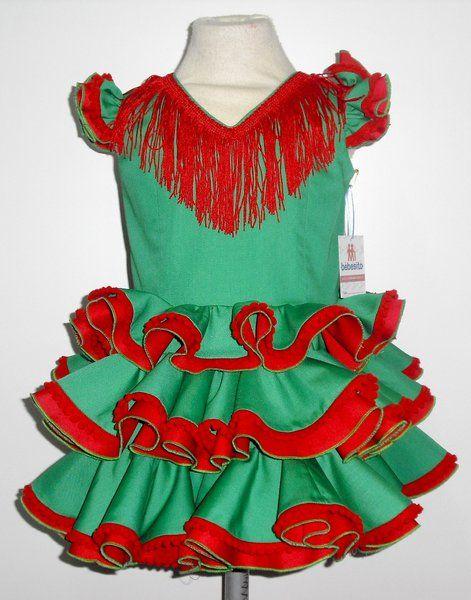Traje de gitana para niña en popelin verde andalucía adornado con volantes  dobles y madroños rojos. - Niñas hasta 5 años - MiBebesito. Ropa de Bebe  hecha a ... 04de7891f85f