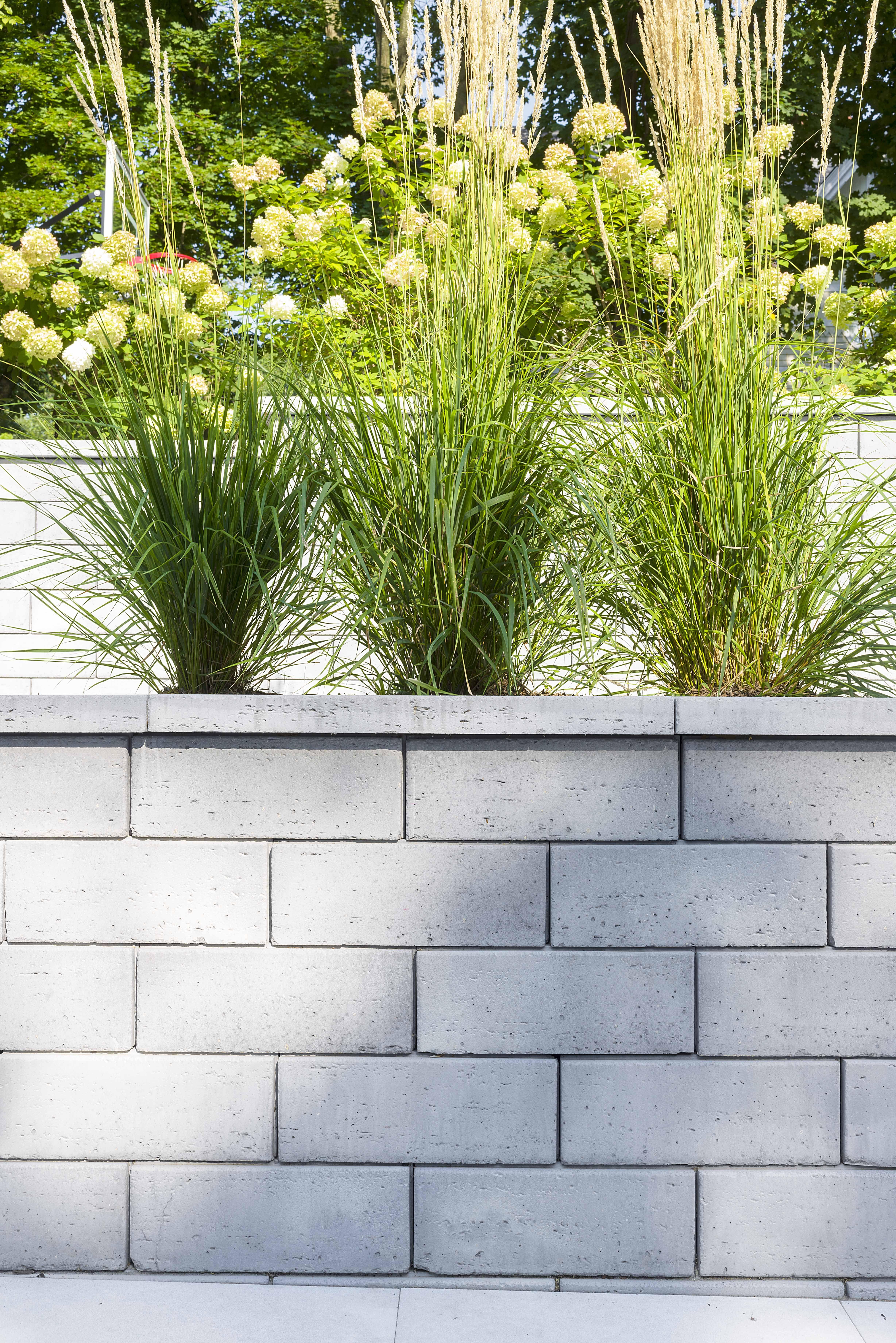 Garden Ideas Landscaping Retaining Walls Backyard Retaining Walls Stone Retaining Wall Modern landscape retaining wall