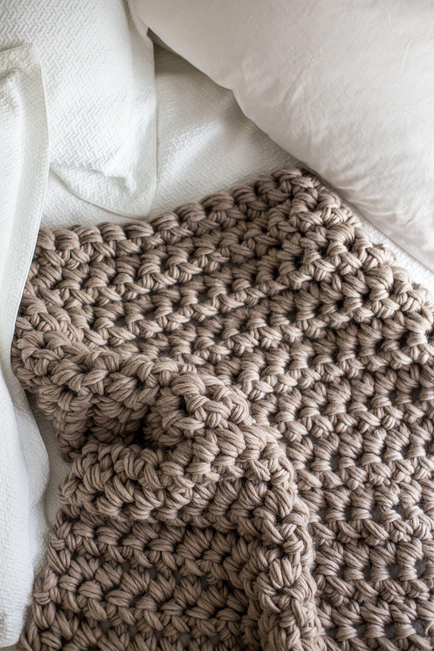 Gorgeous Hand Crochet Blanket in an Hour | Handarbeiten, Häkeln und Deko