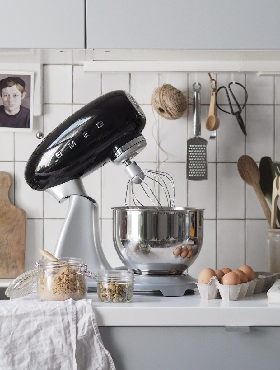 Simple Kitchen Style Smeg Stand Mixer Review Kitchens Stand