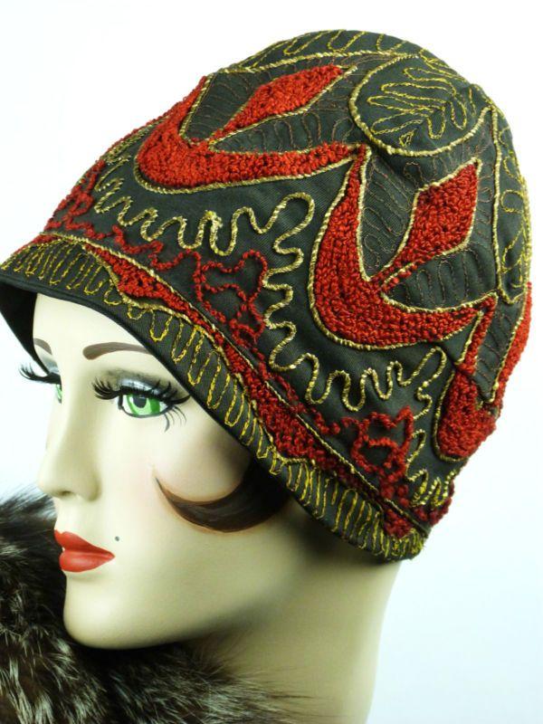 VINTAGE HAT 1930s EMBROIDERED HELMET CLOCHE   a la Mode   Pinterest