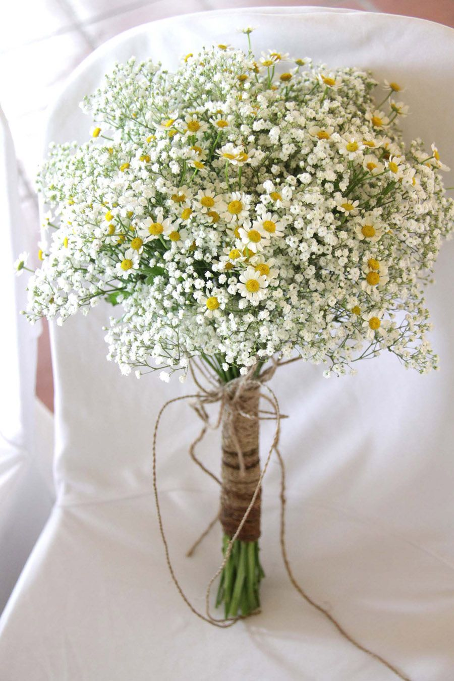 Beautiful Rustic Wedding Bouquet Featuring White Gypsophila Baby S Breath White Yel Rustic Wedding Flowers Bouquet Boquette Wedding Flower Bouquet Wedding