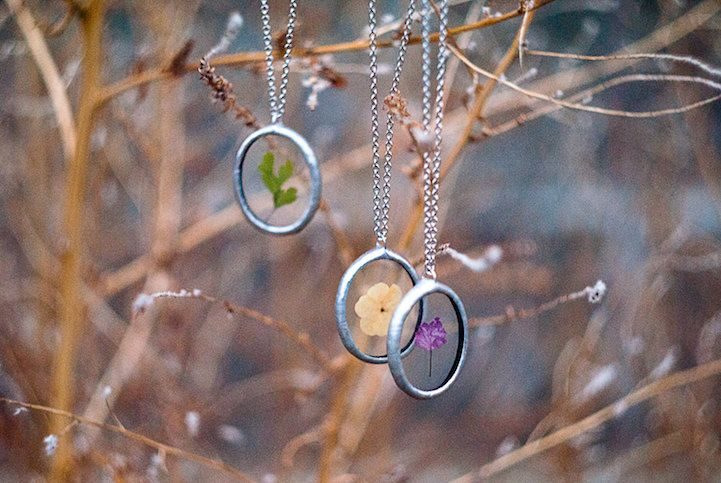 Artist Encases Delicate Beauty of Nature in Tiffany-Glass Style Pendant Necklaces