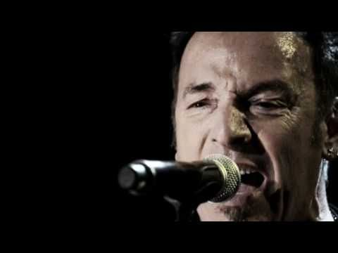 ▶ Bruce Springsteen - Something In The Night (Paramount Theatre 2009) - YouTube