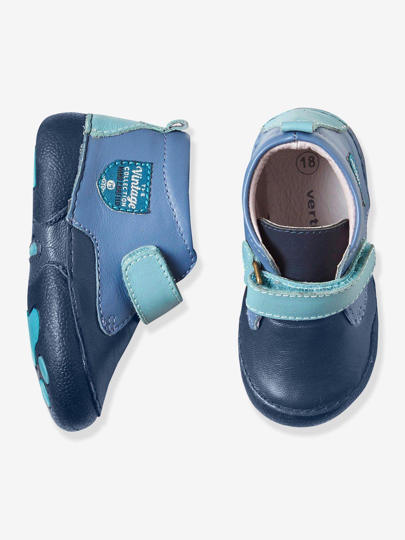 0f0589b2df362 Chaussures bébé spécial 4 pattes garçon en cuir bleu foncé - Idéale comme  chaussure ou chausson