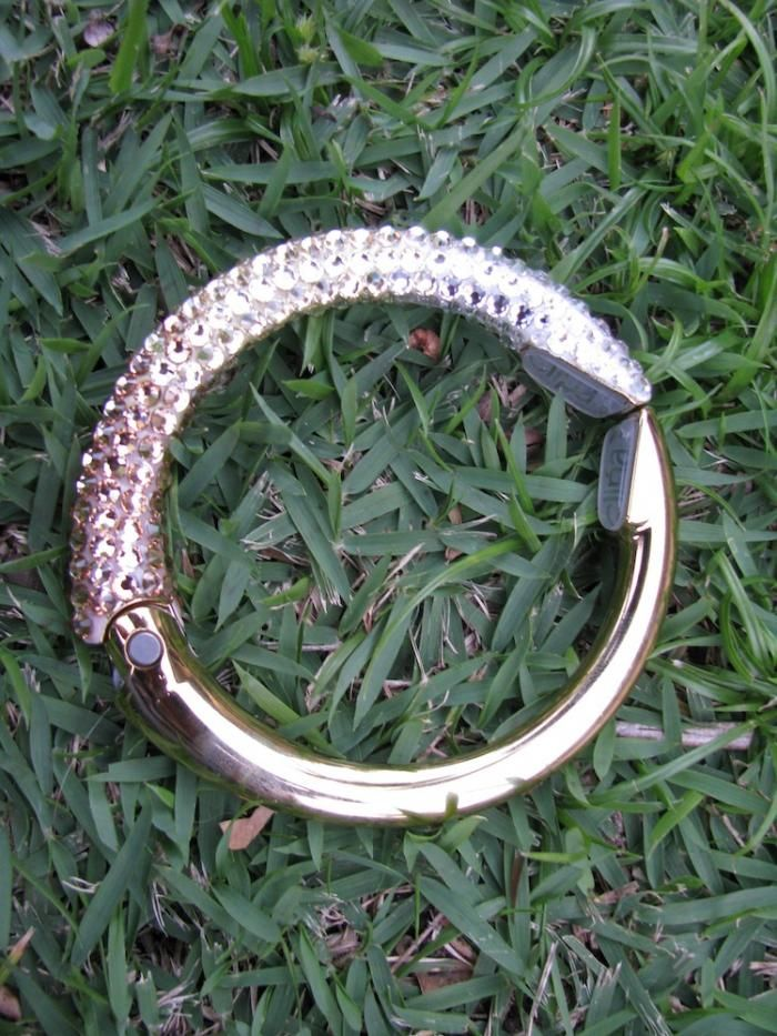 Sachi Designs Swarovski crystal CLIPA (purse hanger)  www.sachidesigns.com