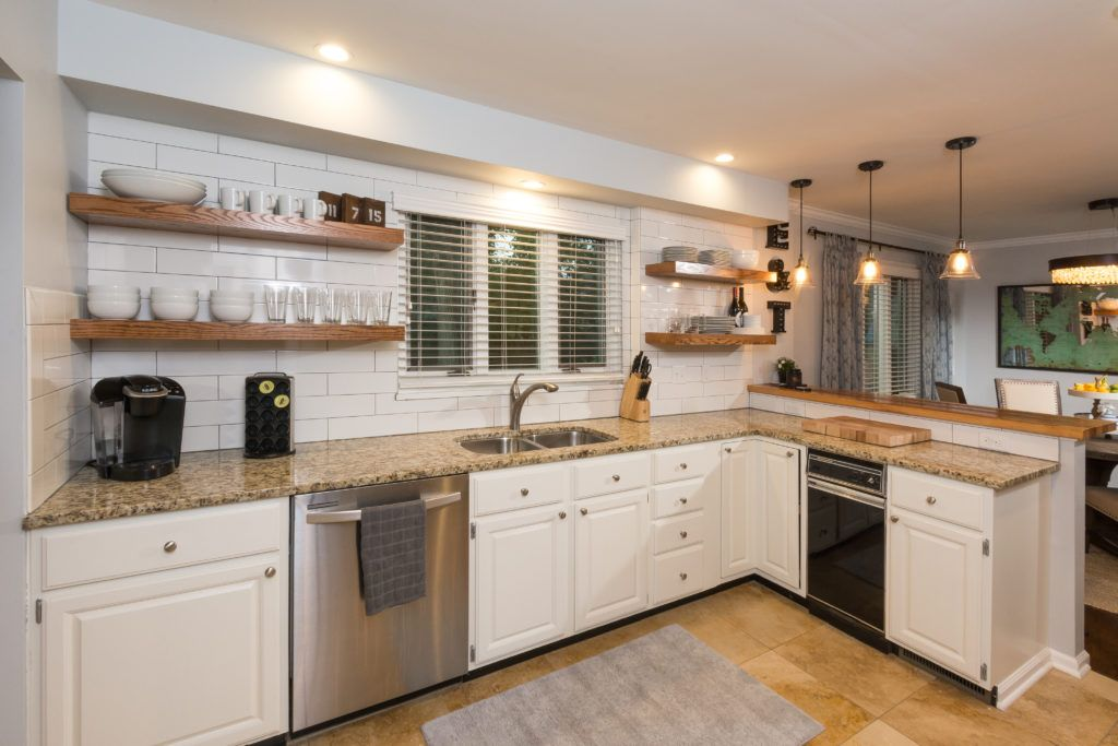 Reclaimed Oak Counter for a kitchen https://www.glumber.com/
