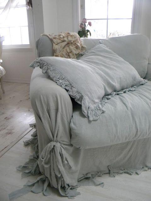 One Big Comfy Chair S Izobrazheniyami Potertaya Mebel Chehly Na Divan Mebel