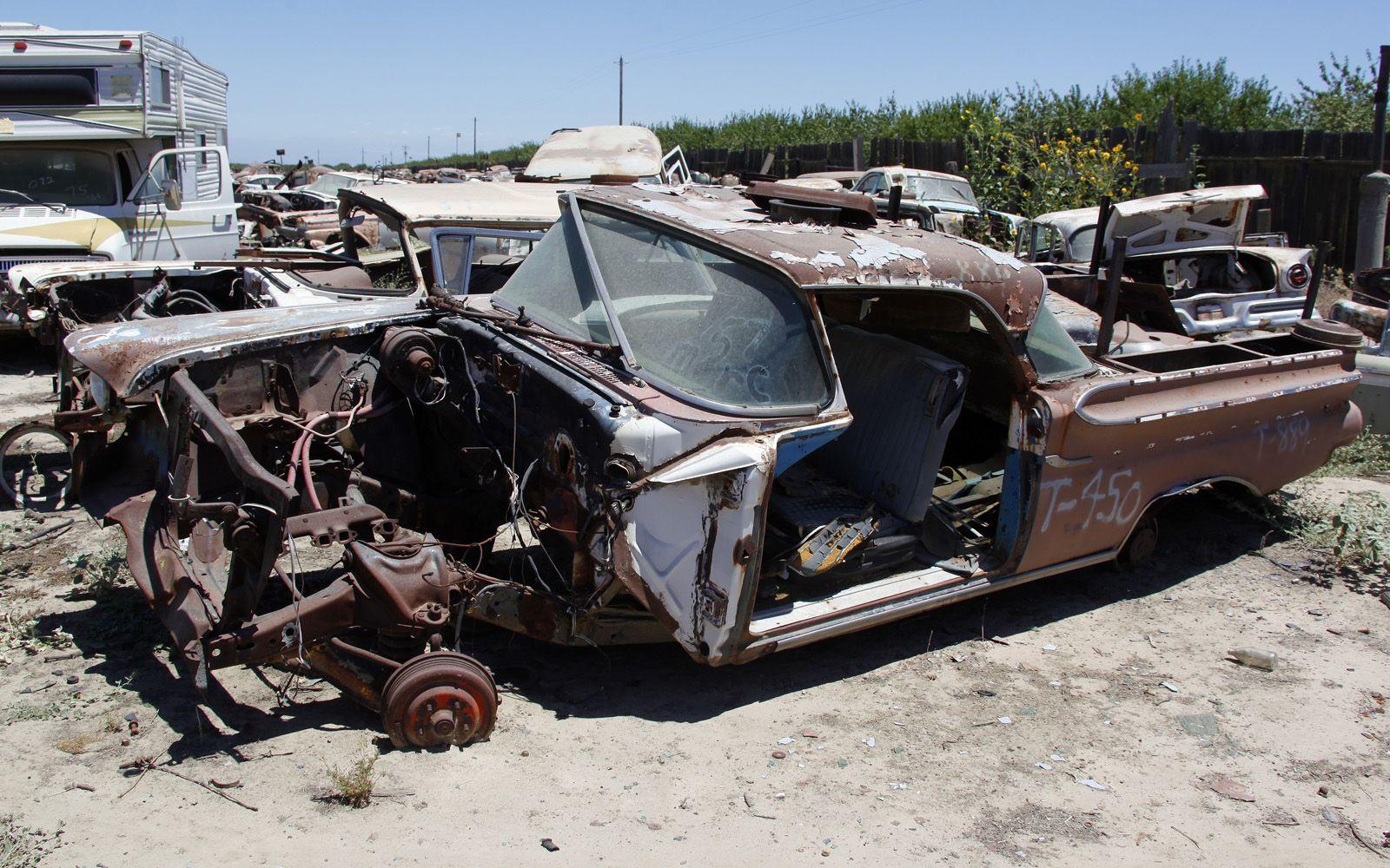 Turners Auto Wrecking >> Junkyard Vintage Cars Turners Auto Wrecking Fresno