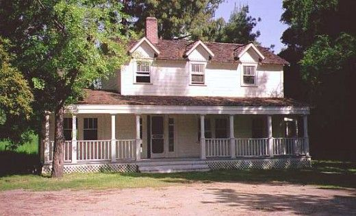 I Always Loved The Walton S Home Especially The Front Porch Walton House House With Porch Hollywood Homes