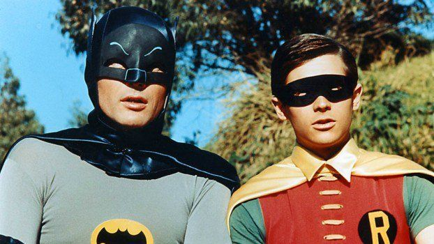 Warner habría revelado la identidad de Robin en Batman v Superman https://t.co/knJ4EYHxv8 https://t.co/OEoaMJo2dJ