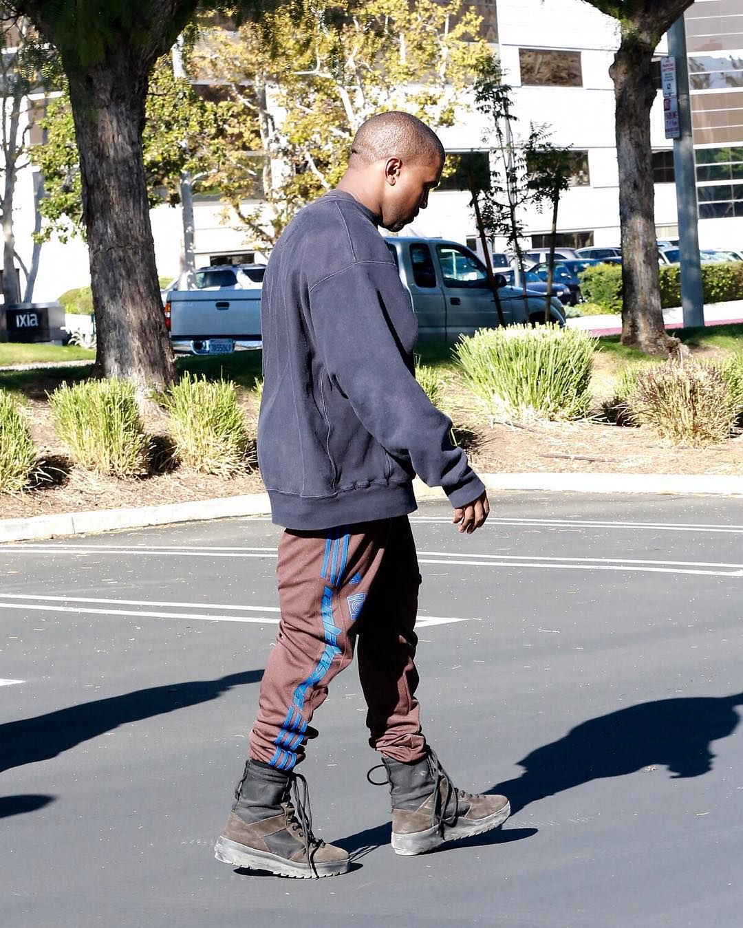 Kanye-West-Adidas-Yeezy-Season-Calabasas-sweatpants-boots.jpg (1080u00d71349) | Things to Wear ...
