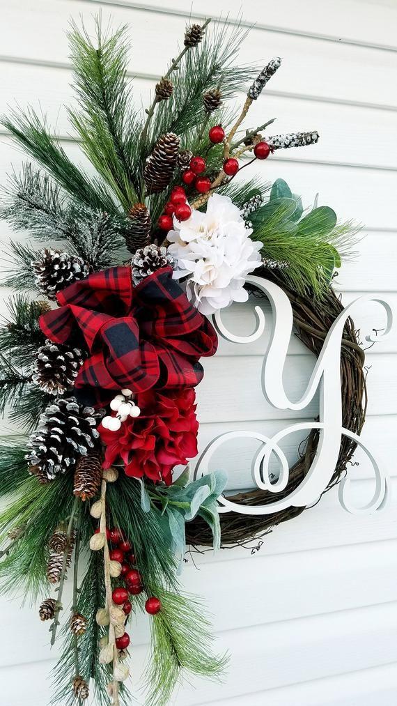 Photo of Corona monograma para puerta principal, corona de invierno rústica, corona de pino de la granja