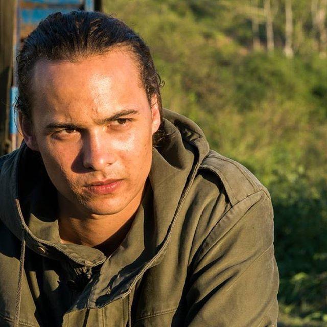 nueva foto de frank dillane new picture of frank dillane