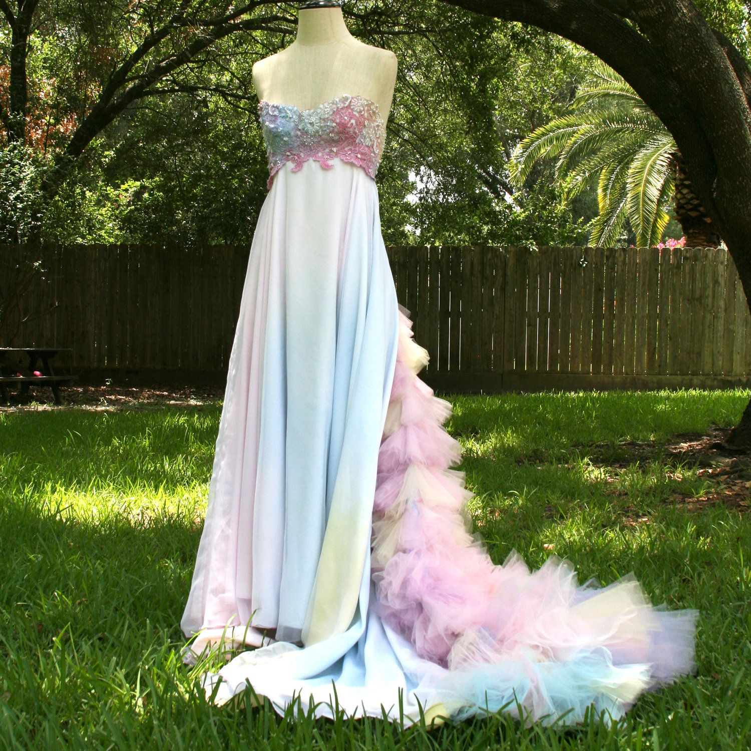 Am i crazy i kind of love this wedding idears pinterest tulle