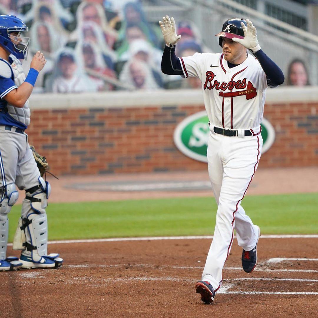 Atlanta Braves The Braves Bullpen Catching Freebombs In 2020 Atlanta Braves Braves Bullpen