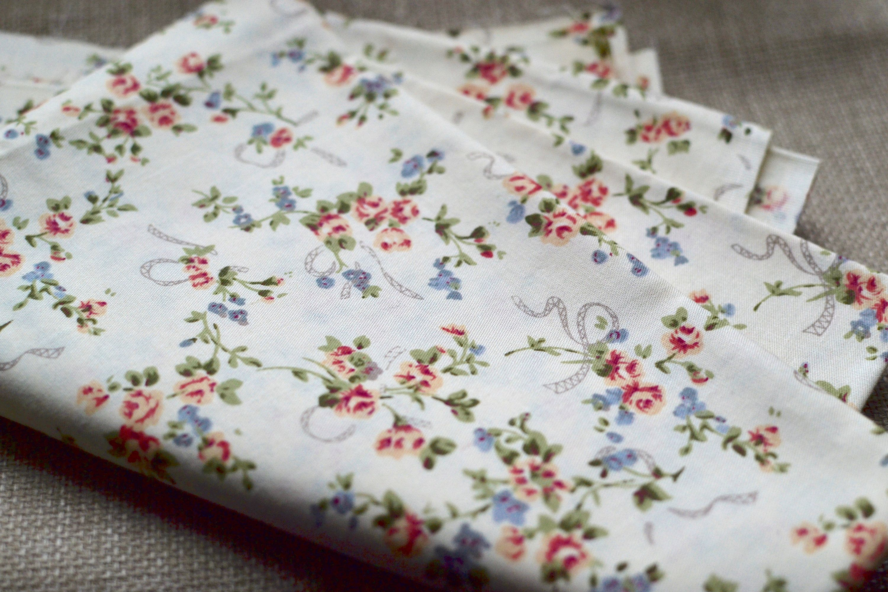 Red Fabric White Floral Cotton Pattern 50cm Cushion Bag Upholstery Craft