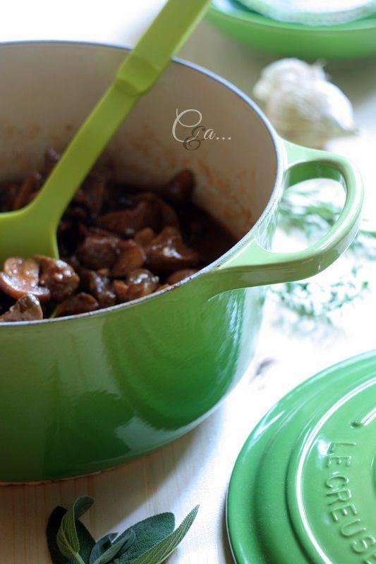 Cucinando e assaggiando...: Spezzatino con porcini