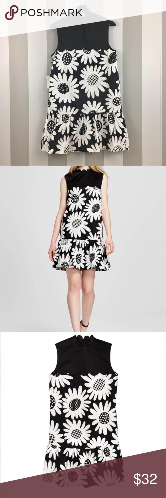 Victoria Beckman For Target Nwt Floral Dress M Floral Dress Scalloped Trim Dress Target Dresses [ 1740 x 580 Pixel ]