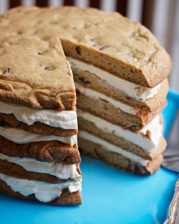 Giant Layered Chocolate Chip Cookie Cake | 18 Cookie Cakes That Wont Let You Down
