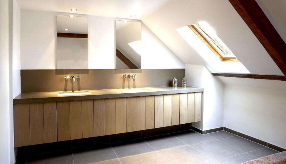 Badkamer radiator landelijk badkamer ontwerp idee n voor uw huis samen met meubels - Lavabos ontwerp ...