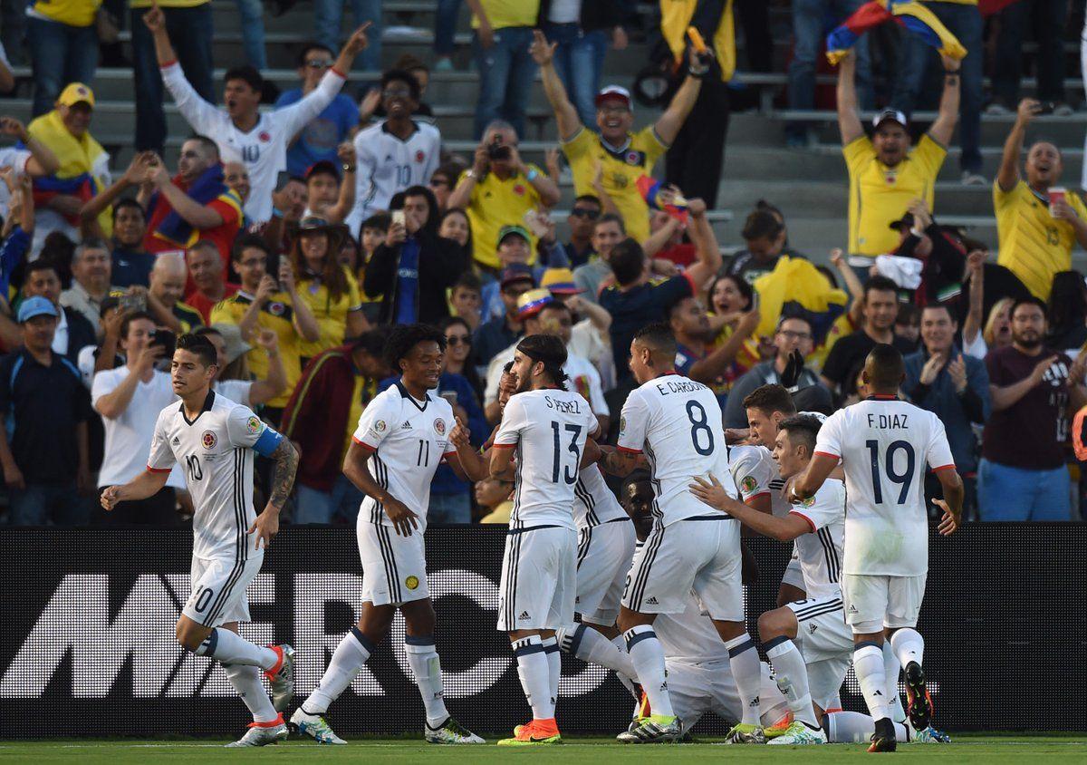 @FCF Una brillante primera parte de #Colombia vale la clasificación a la siguiente fase de la #CopaAmerica #9ine