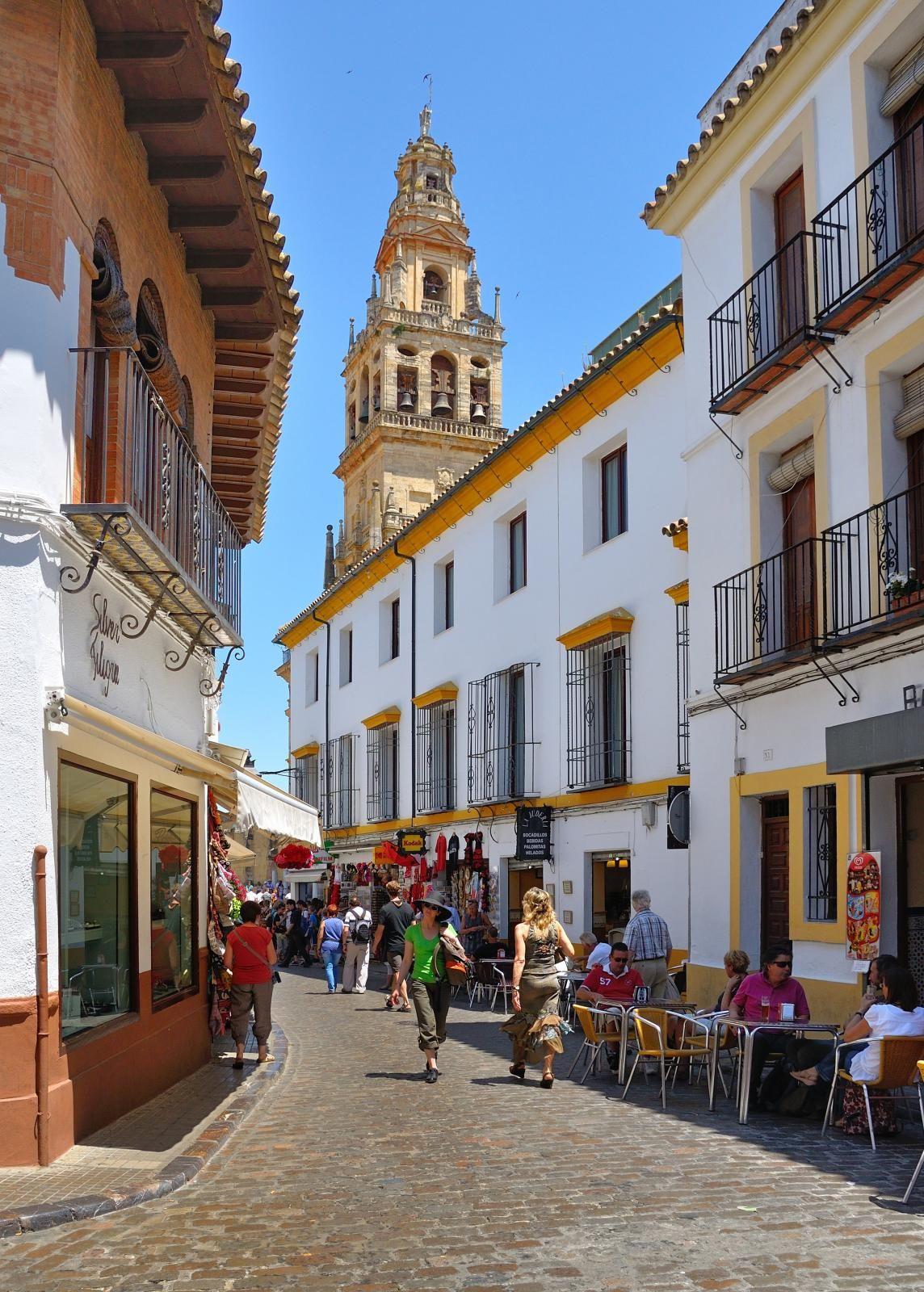 Córdoba Calle Juderia / Torre del Alminar ( Mezquita
