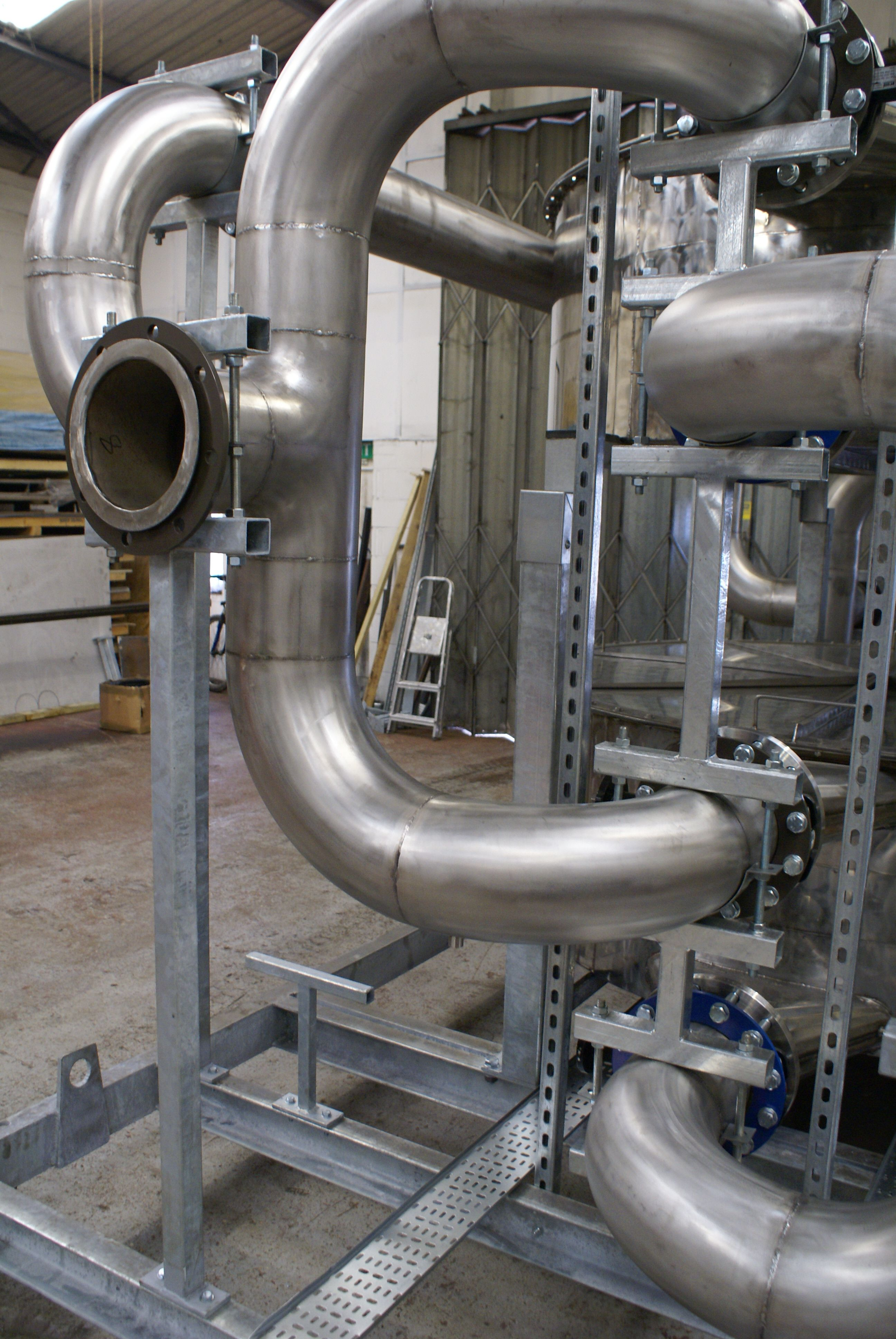 Pin on coded pipe welding