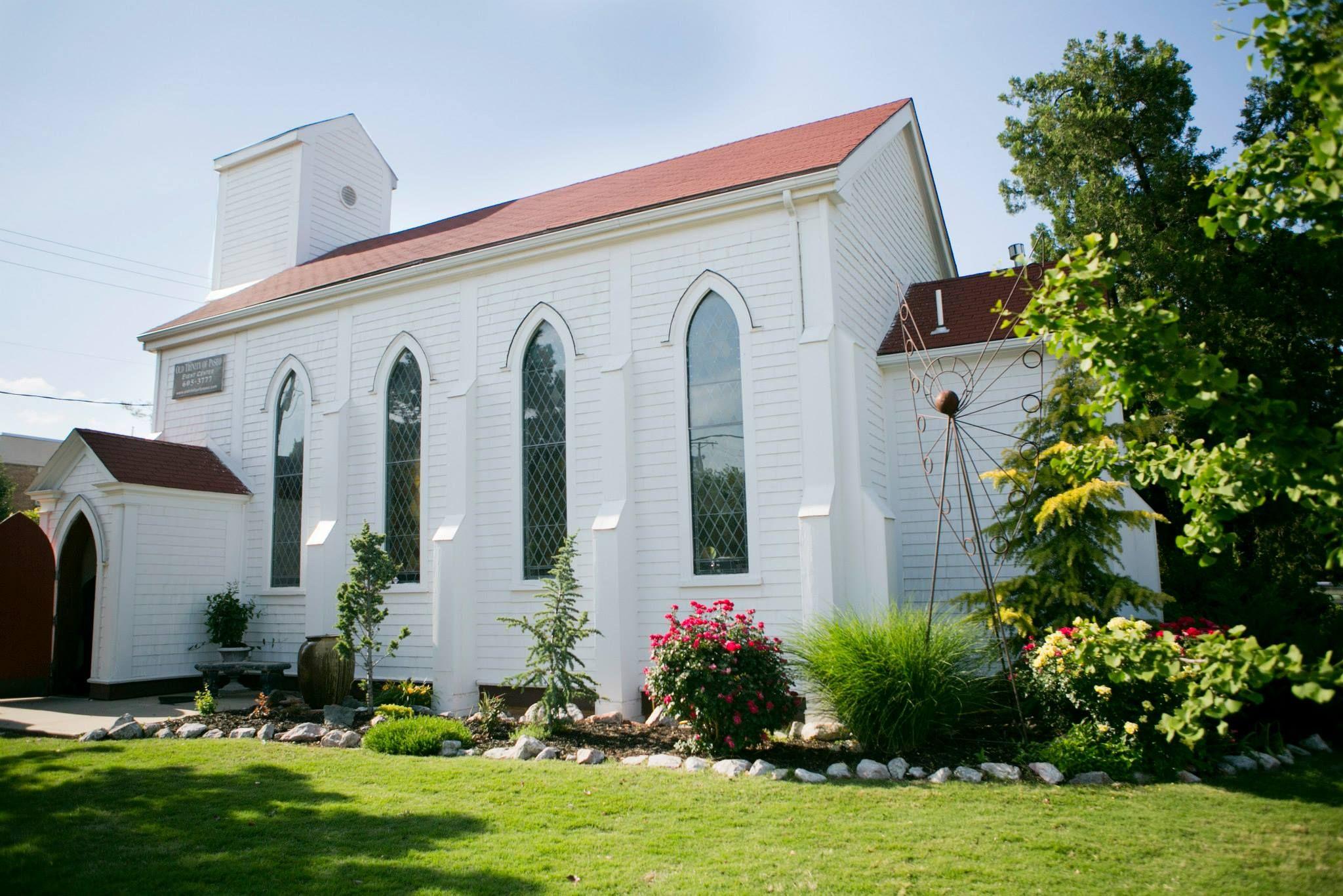 fe7f8a4c9a4bdf3acd0e46b45c2403ab - The Gardens Wedding Chapel Oklahoma City