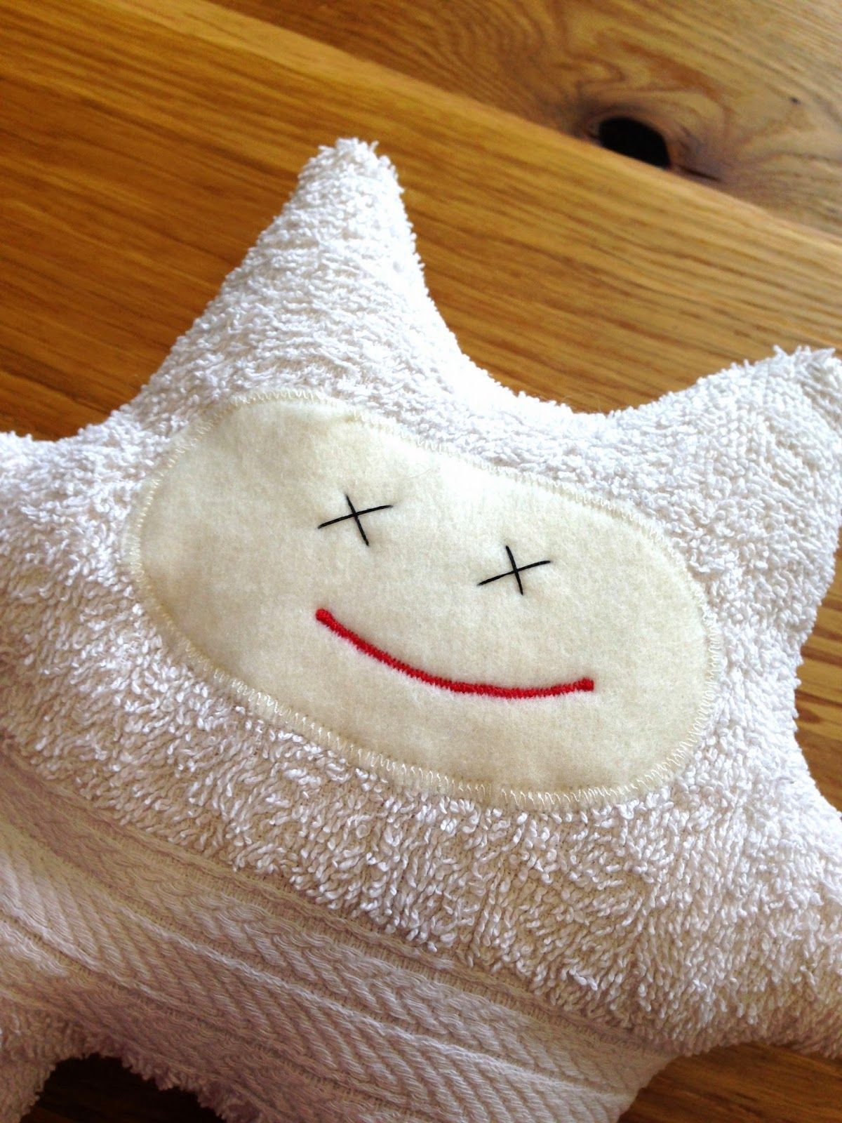 Monster aus altem Handtuch / Monster made from old towel / Upcycling ...