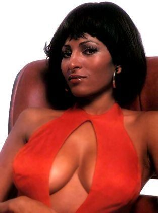 pam-grier-sexy-red-alexis-dziena-boob