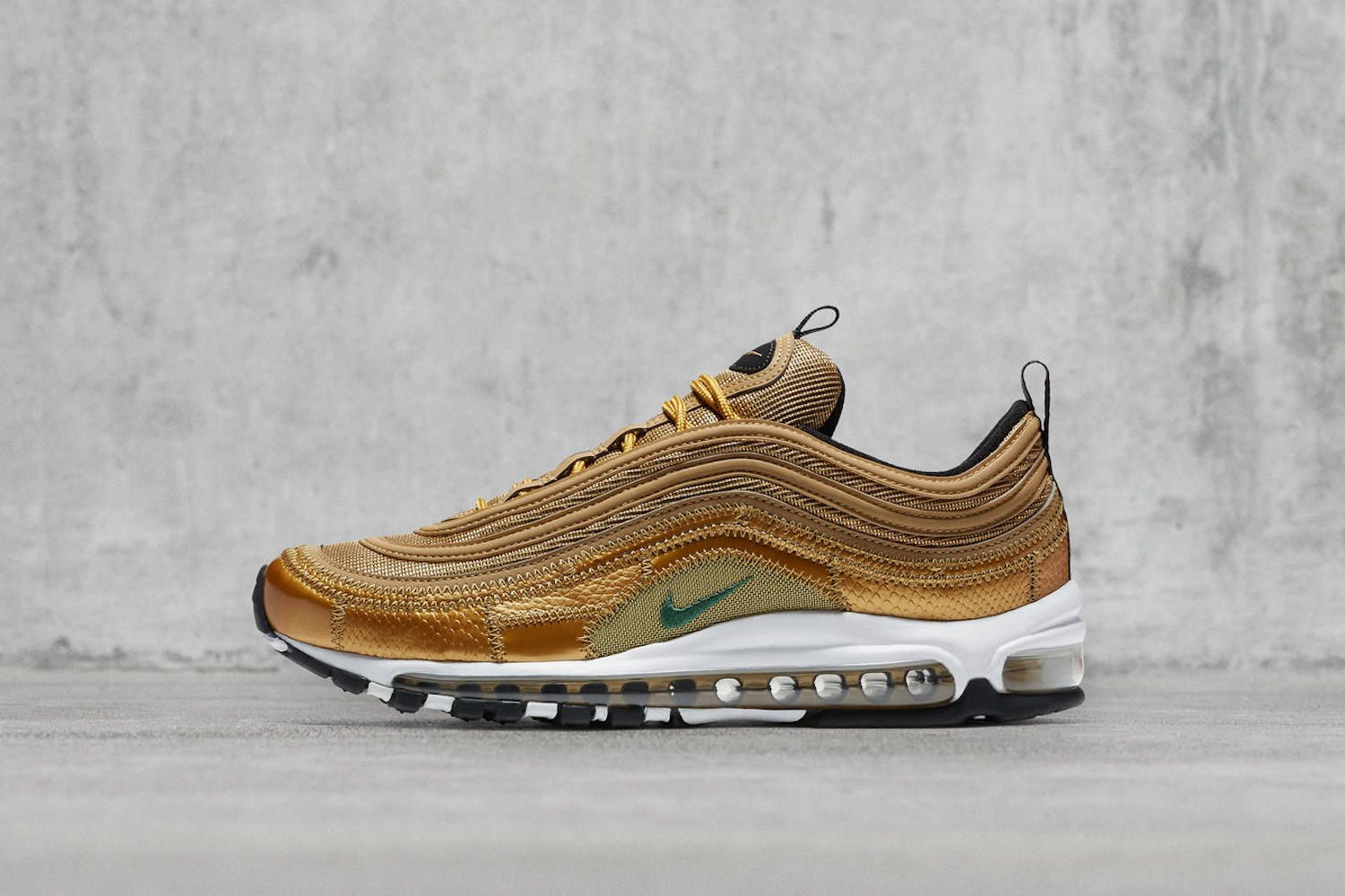 This latest take on the Air Max 97 takes inspiration from Cristiano  Ronaldo s childhood footwear and celebrates his eliteness on the pitch and  beyond. 67b5569bd