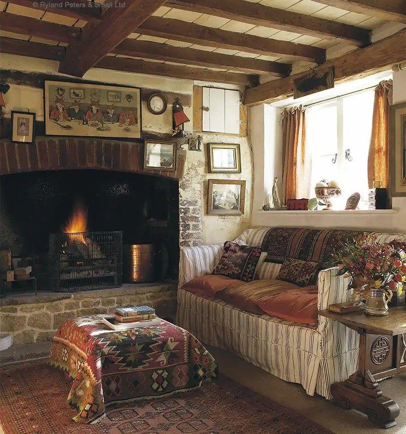 Pin di lisa lismary 39 s cottage su idee per la casa for Interni case inglesi
