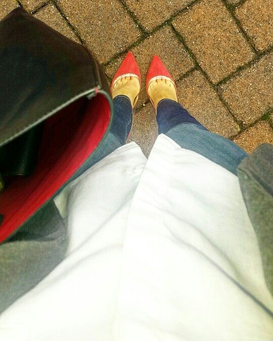 Turquoise & Red accesories  #ootd #stylechat #springstyle #springforward #weartowork #workstyle #popofred