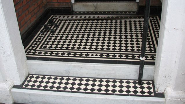 classic-victorian-chequerboard-tiling-4