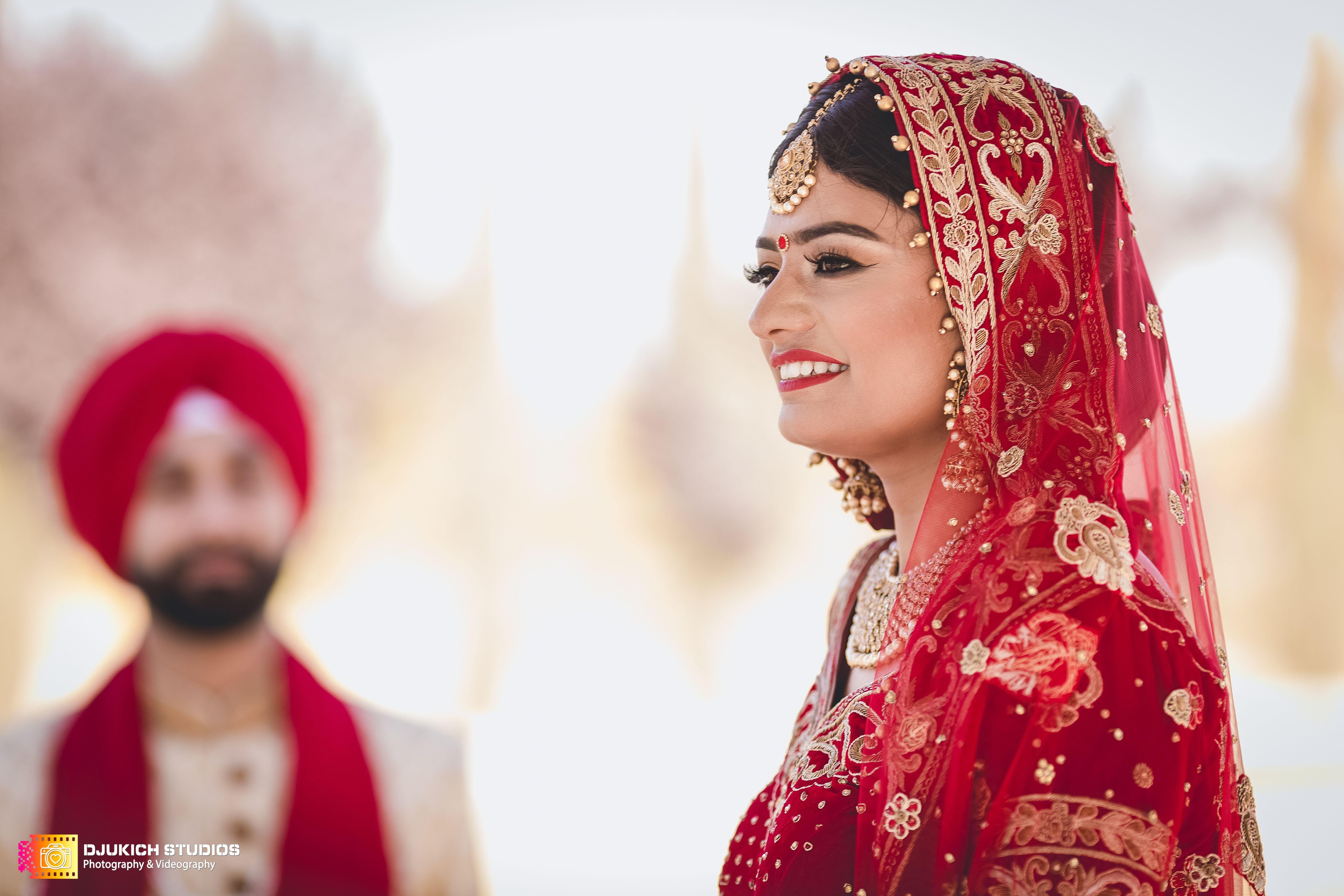 South Indian Wedding Video Highlights Of Sruthi Mridul Youtube Indian Wedding Album Design Wedding Album Cover Design Wedding Album Design Layout