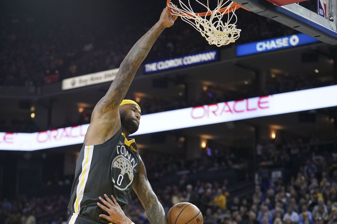 Final Score Warriors Outgun Wounded Lakers 115 101 In Oakland Nba Champions Golden State Warriors Finals