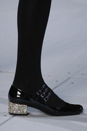 Saint Laurent AUTUMN/WINTER 2014-15 shoes with a glitter heel. Sain Laurentin syys-talvi malliston upeat kengät, joissa glitter korko.