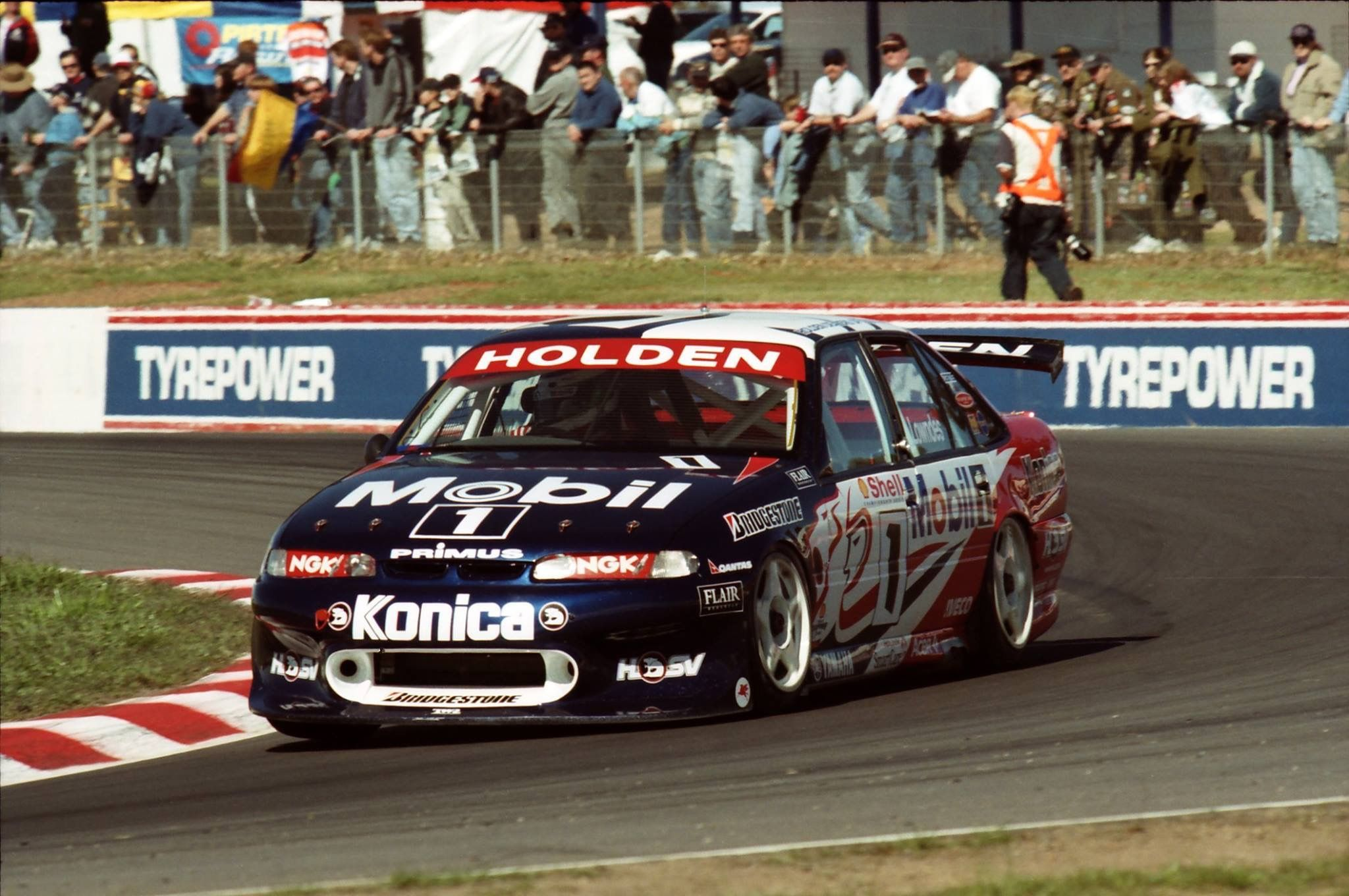 Pin by Andrew Gloistein on Holden Racing Team Wallpapers | Pinterest ...