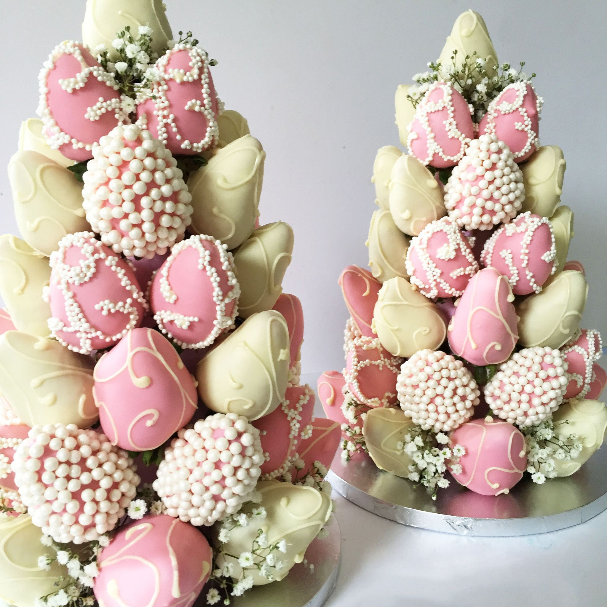 Customised Chocolate Dipped Strawberry Tower Large Melbourne Delivery 328 80 140 35