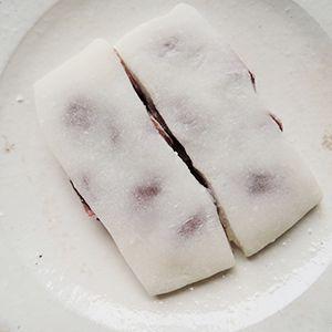 【羽二重豆餅】の材料は、富澤商店オンラインショップ(通販)、直営店舗でご購入いただけます。また、無料のレシピも多数ご用意。確かな品質と安心価格で料理の楽しさをお届けします。
