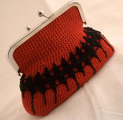 Red Passion - crochet frame purse with hairpin embroidery - Donnaraita idea ♪ ♪ ... #inspiration_crochet #diy GB